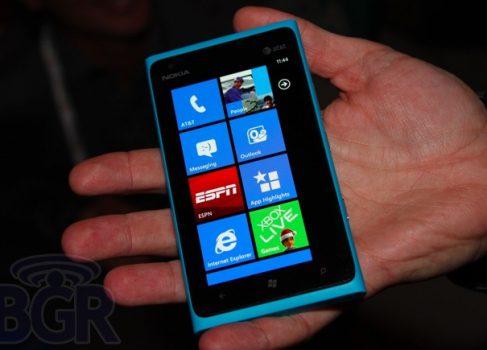 Nokia Lumia 900 доступен для предзаказа в сети AT&T