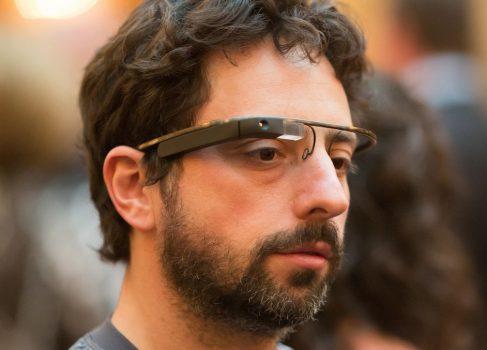 Google Glass будут доступны уже в 2013