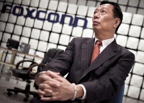 CEO Foxconn обещает, что iPhone 5 посрамит SGSIII