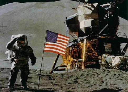 Первый живой телеэфир на Луне