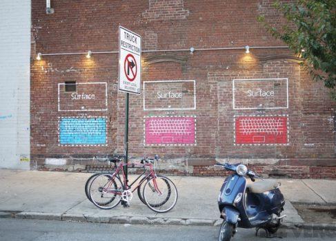 Microsoft Surface уличный стрит-арт на улицах Нью-Йорка
