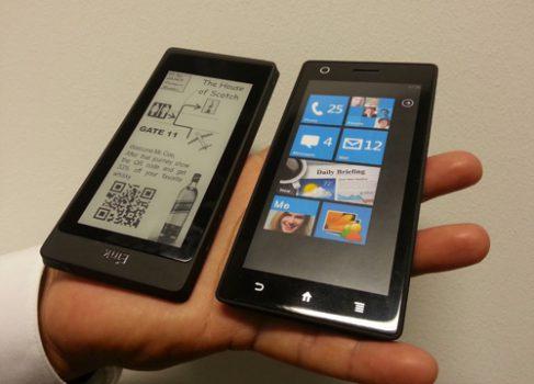 E-Ink Corporation представляет гибридный смартфон-«читалку»