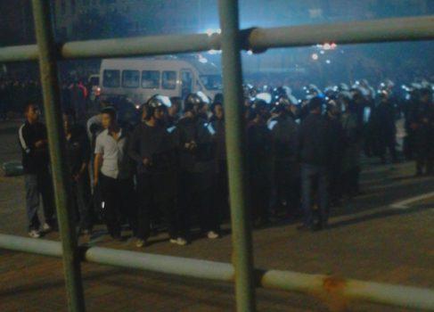 Массовая драка на заводе Foxconn в Китае — 40 пострадавших