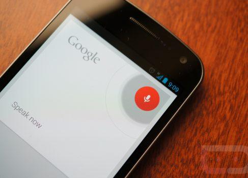 Голосовой поиск Google активно конкурирует с Siri