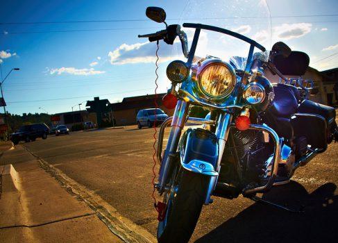 Apple купила торговую марку Lightning у Harley Davidson