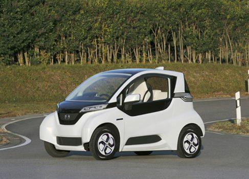 Honda тестирует крошечный электрокар, плотно синхронизированный с мобильными девайсами