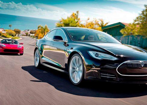 Tesla Model S – «Автомобиль года – 2013» по версии «Motor Trend»