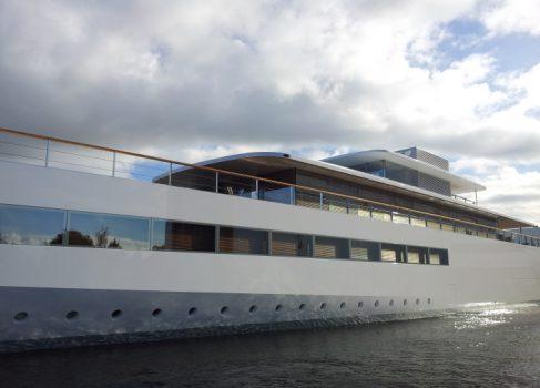 Яхта Стива Джобса освобождена из под ареста