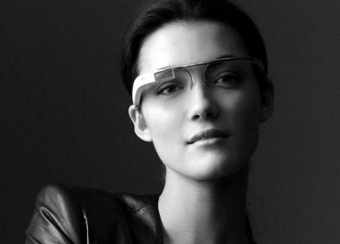 Очки Google Glass готовятся ехать к разработчикам