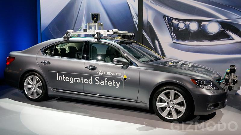 Lexus_Driverless_1