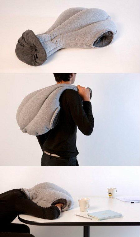 Ostrich_Pillow