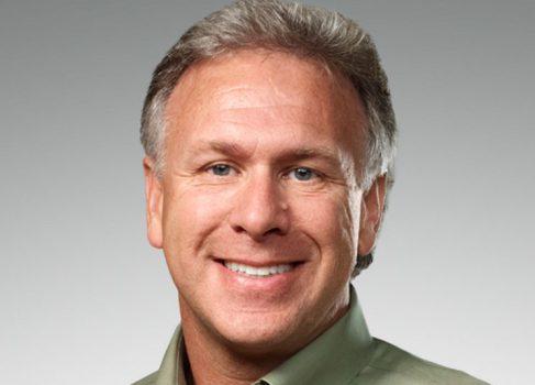 Фил Шиллер опроверг слухи о дешевом iPhone