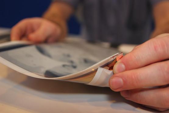 plastic-logic-papertab-thin-tablet-2