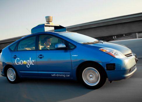 Автомобили-беспилотники от Google могут появиться в продаже в течение 5 лет
