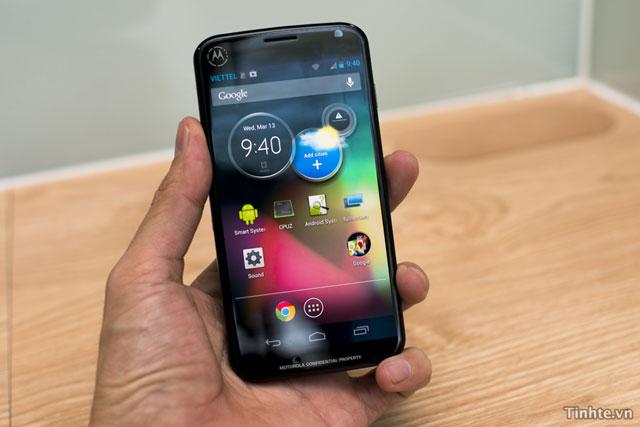 Motorola-XT912A_1