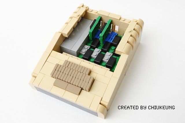 apple-II-lego-3