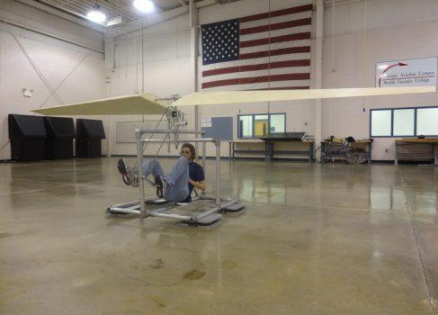 Группа студентов из США утверждает, что изобрела вертолёт на мускульной силе