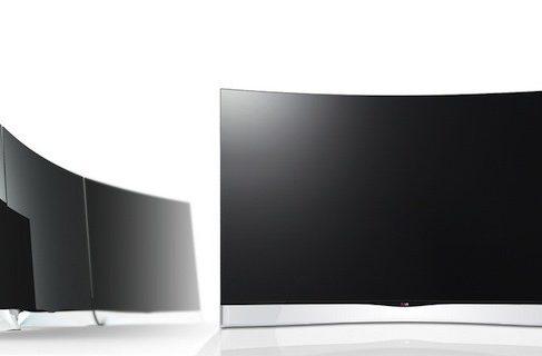 LG начинает продажи 55-дюймового изогнутого OLED HDTV