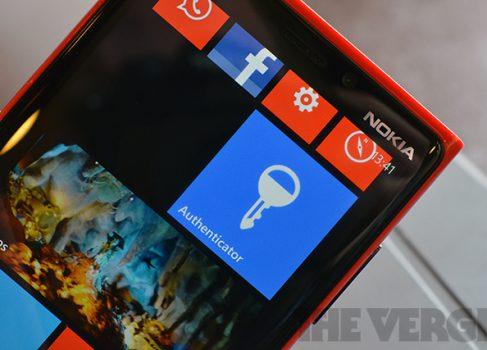 Microsoft готовит двухуровневую аутентификацию для Outlook.com