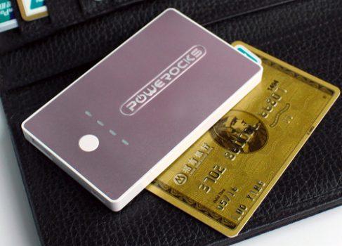 Резервная батарея для смартфона размером с кредитную карточку