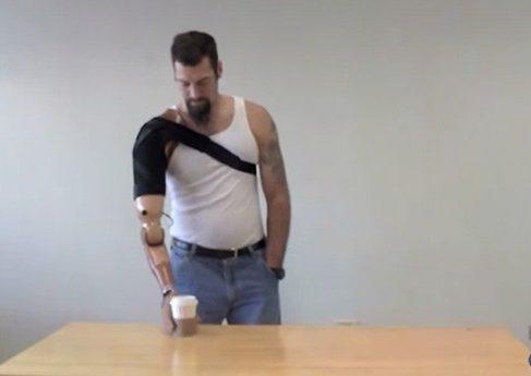 DARPA разрабатывает протез который может передавать тактильные ощущения