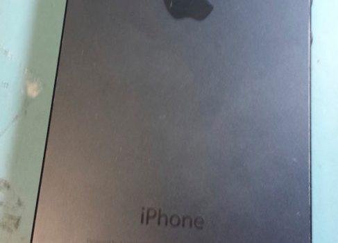 В сеть утекли фотографии iPhone 5S