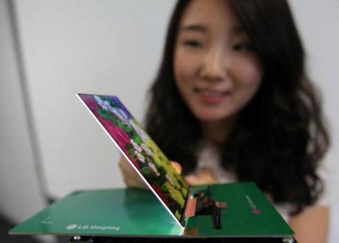 LG демонстрирует самый тонкий в мире FullHD дисплей для смартфонов