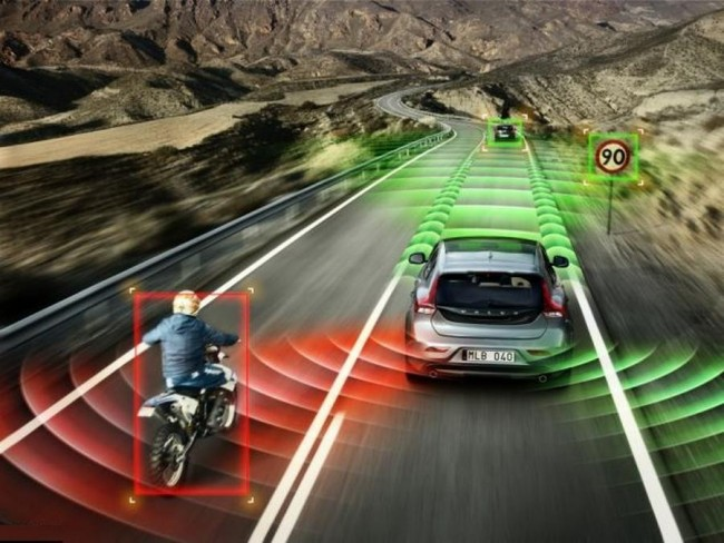 Volvo-Accident-avoiding-Self-driving-Car-for-2020-1-650x488