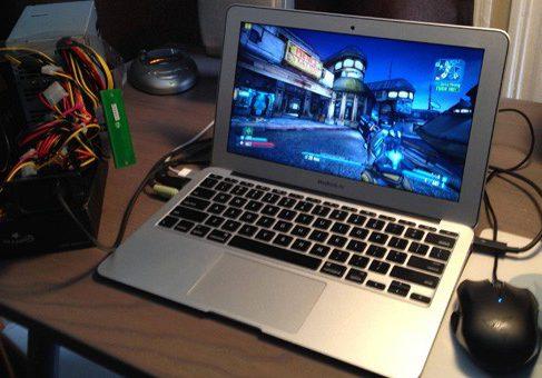Американец превратил MacBook Air в игрового монстра