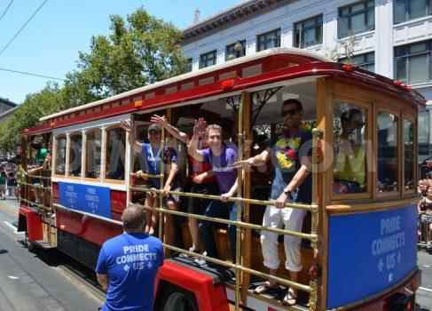 Марк Цукерберг появился на гей-параде в Сан-Франциско