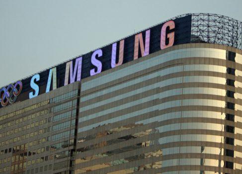 Samsung платила за негативные обзоры устройств от HTC