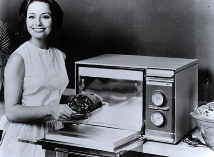 Картинки по запросу Американец Перси Спенсер запатентовал микроволновую печь