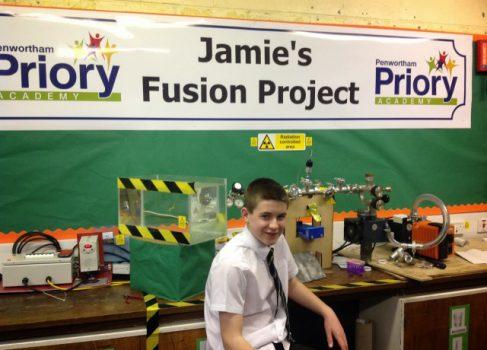 13-летний американский школьник построил действующий реактор